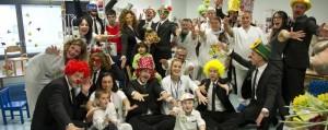 """Le Iene cantano """"Tu non scordarlo mai"""" per i bimbi dell'ospedale di Bergamo"""