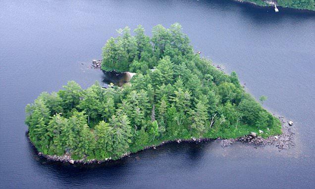 Canada, isola a forma di cuore in vendita per un milione di dollari