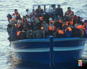 Canale di Sicilia: 18 migranti morti di freddo e sete su gommone