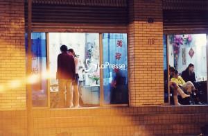 Prato, numeri prostitute cinesi cancellati dai muri. Clienti contro Comune