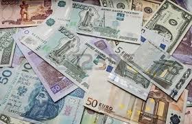 Russia, asfissia da petrolio: rublo dimezzato in 3 mesi