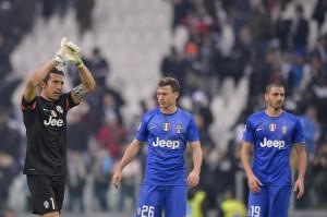 Cagliari-Juve e Napoli-Parma, a che ora giocano? Dove vedere le partite