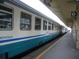 Treno regionale Udine-Venezia, portabici sui binari: disastro sfiorato