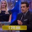 VIDEO YouTube Rifiuta offerta di 245mila euro e ne porta a casa 5 ad Affari Tuoi
