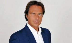 """Antonio Zequila, """"er Mutanda"""" candidato di Forza Italia in Campania"""