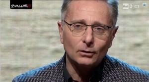 """Paolo Bonolis cerca """"razzisti e omofobi"""" per Ciao Darwin"""
