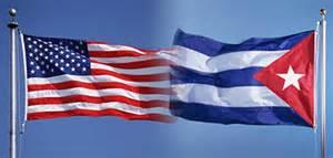 Bandiere Usa e cubana all' Avana