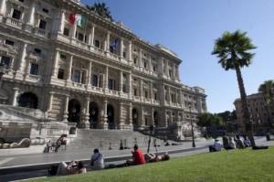 Patente sospesa perché gay, Cassazione ordina: Danilo Giuffrida va risarcito
