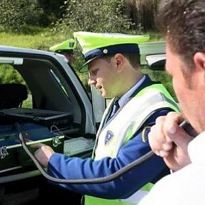 Torino, camionista ubriaco sviene al controllo: tasso 9 volte oltre il limite