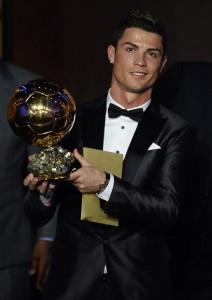 """Pallone d'Oro a Cristiano Ronaldo: """"Ora raggiungo Messi"""""""