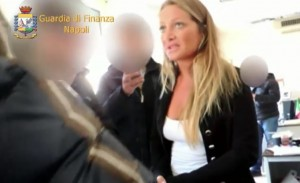 VIDEO YouTube Federica Galiardi, arresto Dama Bianca in aeroporto