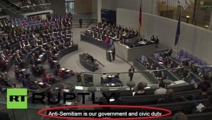 Angela Merkel gaffe VIDEO YouTube: Antisemitismo nostro dovere civico e di Stato