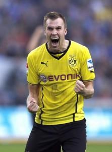Dortmund, Kevin Grosskreutz pressato dai fan: suo numero apparso in tv