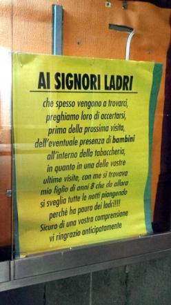 """Paternò (Catania), avviso ai ladri: """"Attenti ai bambini"""""""