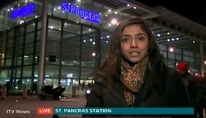 Londra, moto investe donna in diretta tv
