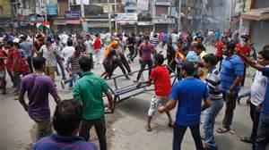Scontri tra indù e musulmani in India