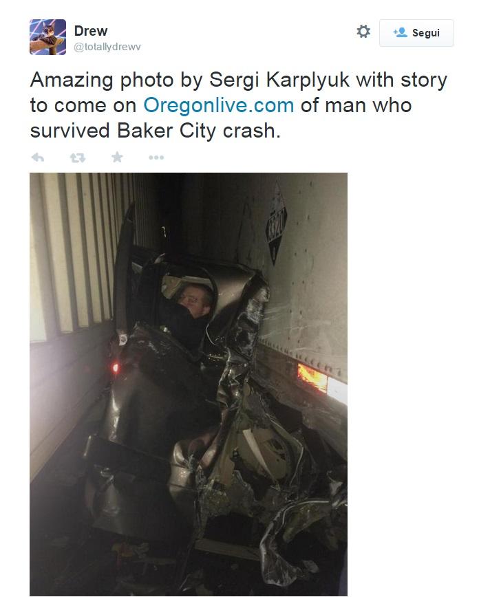 Oregon, la foto dell'uomo incastrato tra due tir dopo il maxi tamponamento