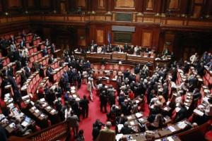 La scissione delle preferenze, 29 senatori lasciano assemblea Pd