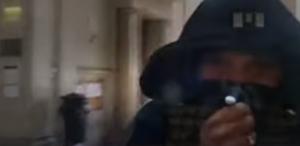 Charlie Hebdo, Chérif Kouachi lascia Tribunale Parigi: il video del 2008