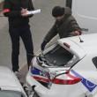Charlie Hebdo, VIDEO YouTube: terroristi uccidono poliziotto in diretta12
