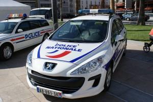 Targa di un diplomatico rubata a Parigi. Allerta terrorismo anche in Italia