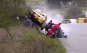 VIDEO YouTube auto si ribalta al Jolly Rally in Valle d'Aosta: tragedia sfiorata