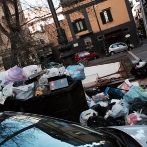 Napoli, 200 spazzini malati a Capodanno: l'azienda annuncia visite fiscali