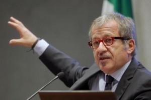 """Roberto Maroni maestro di sci """"honoris causa"""""""