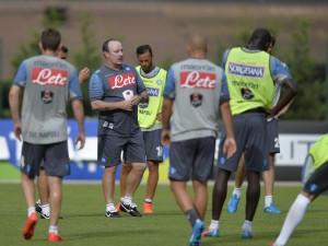 Napoli, in 25mila al primo allenamento dopo vittoria Supercoppa (foto Lapresse)