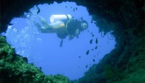 Lago d'Iseo, sub resta impigliato in rete da pesca: muore a 30 metri