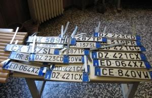 Auto, targhe esaurite in alcune province: