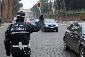 """Vigili urbani Roma pronti a """"disertare"""" domenica durante il derby"""