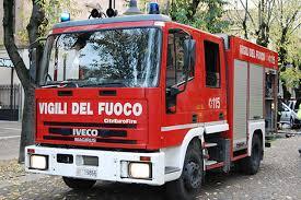 Roma, badante salva anziana da incendio e poi muore intossicata dal fumo