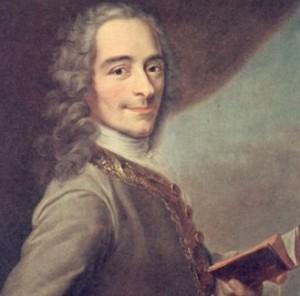 Voltaire, il filosofo della tolleranza tornato di moda dopo le stragi di Parigi