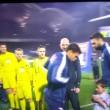 VIDEO YouTube: Thiago Silva copre con maglia bambino infreddolito
