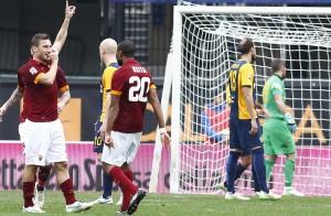 Verona-Roma 1-1. Pagelle-VIDEO gol: Totti c'è, Gervinho e Pjanic no