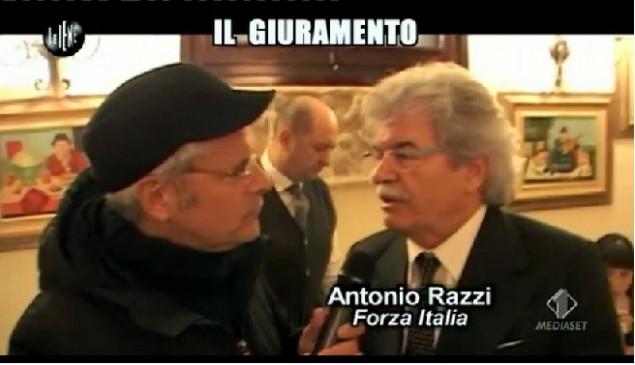 """Le Iene, Enrico Lucci al """"Giuramento"""" di Sergio Mattarella VIDEO"""