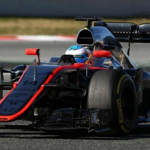 """1, Alonso si schianta in curva. Portato in ospedale. """"E' cosciente"""""""