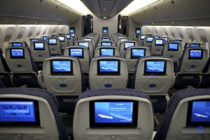 Aerei, sedili più stretti per mettere più posti. Novità Usa