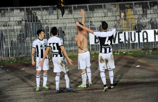 Ascoli. Leonardo Perez esultanza con saluto fascista dopo gol FOTO