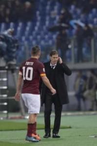 Verona-Roma, Totti-Garcia: scintille al momento del cambio