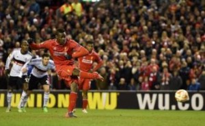Balotelli VIDEO gol in Liverpool-Besiktas: strappa rigore a Henderson e segna