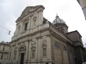 Roma. Turisti ubriachi danneggiano facciata basilica S. Andrea della Valle