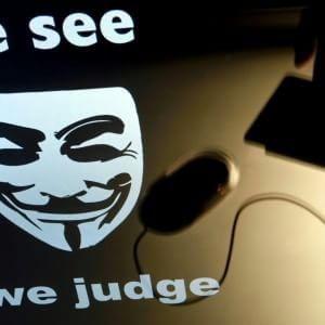 """Anonymous: """"Un italiano tra i registi della propaganda Isis"""""""