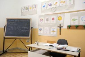 """Christian, 11 anni, autistico: a scuola isolato in una stanza. """"Disturberebbe"""""""