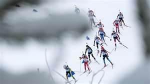 Gara femminile di biathlon