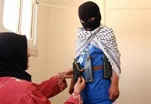 Madre Boko Haram prepara figlia al martirio