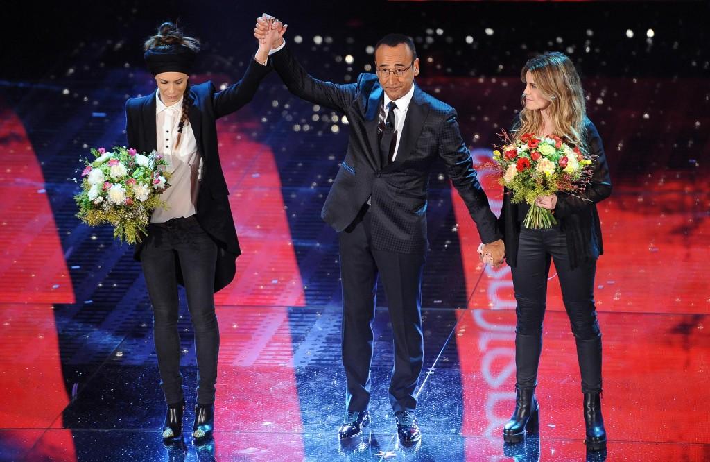 """Festival di Sanremo, Carlo Conti torna sulla gaffe: """"Rakele scusami"""""""