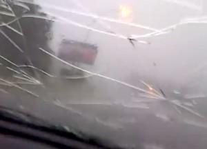 VIDEO YouTube: Sudafrica, chicchi di grandine distruggono parabrezza auto