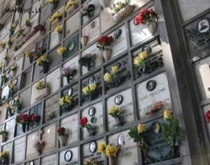 Treviso, muore inciampando davanti alla tomba della moglie
